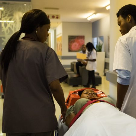 Bringing in a patient with a spine and back injury